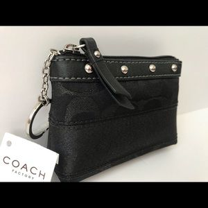 Coach Bags - 🎖HP🎖🆕NWT RARE Coach Zippered Keyring Small Case
